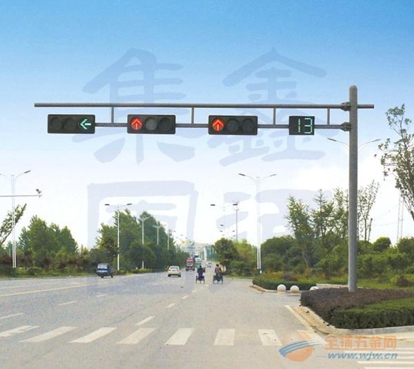 新疆F型悬臂信号灯杆,甘肃信号灯杆厂家,XT-001