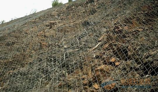 河南隔离圈地养殖防护网高速公路护栏网价格最优